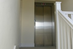 Apt7 Entrance and Lift
