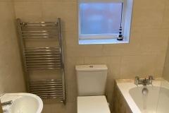 Apartment 9 Rental Family Bathroom